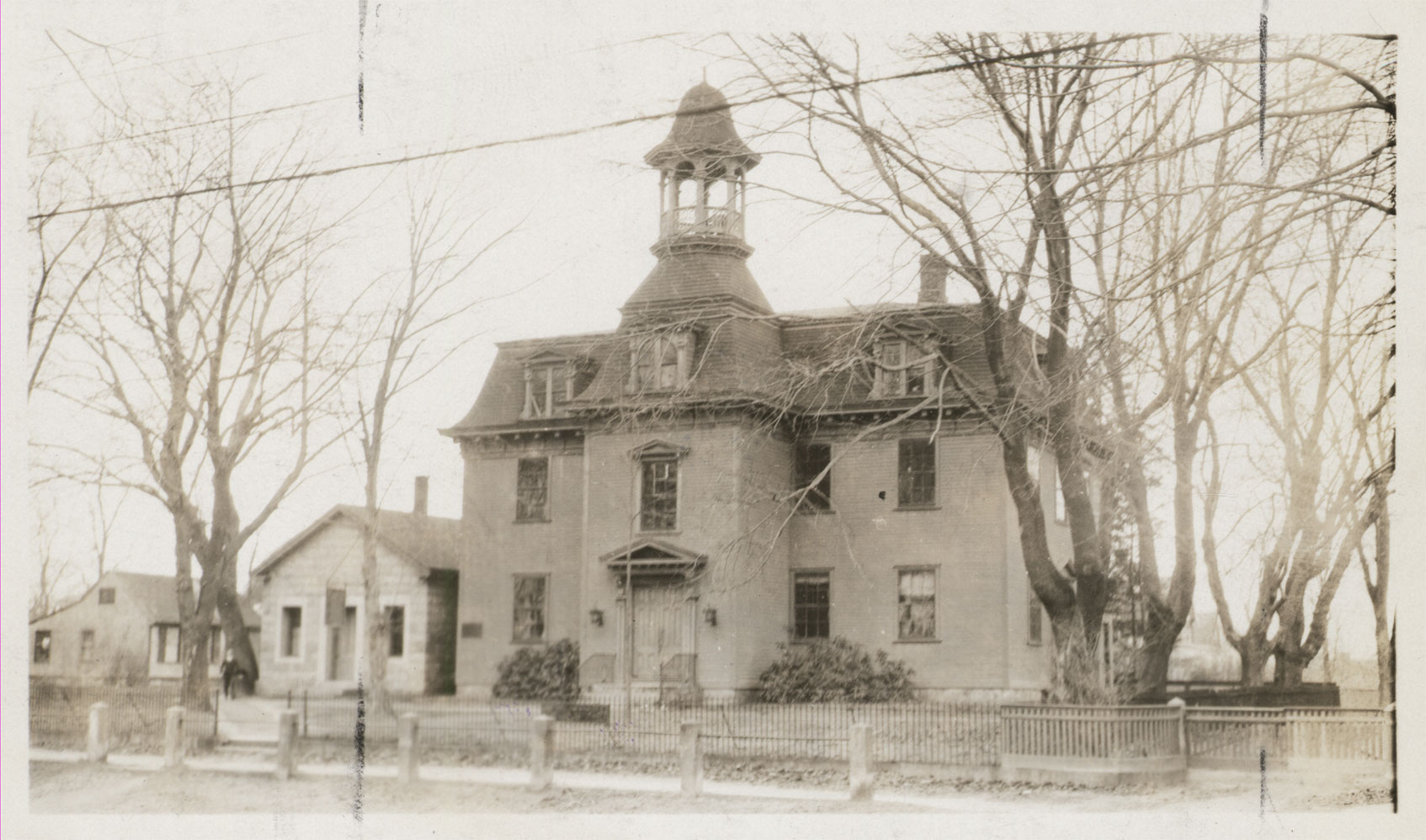 The Washington County Court House, circa 1920.  More than 100 years earlier the case to free the slave Patience was brought here, and won (State Archives)